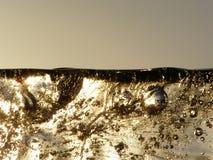 Smeltend transparant ijs royalty-vrije stock fotografie