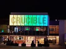 Smeltkroestheater bij nacht royalty-vrije stock fotografie