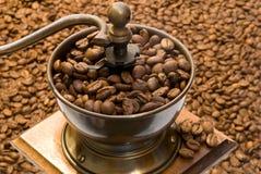 Smerigliatrice di caffè antiquata Fotografia Stock Libera da Diritti