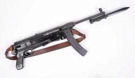 SMG M56 e baionetta iugoslavi Fotografie Stock Libere da Diritti