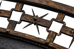 Smidesjärnportar, dekorativt smide, falsk beståndsdelnärbild royaltyfria bilder