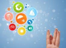 Smiley alegres del finger con el icono colorido de la burbuja del viaje del día de fiesta Imágenes de archivo libres de regalías