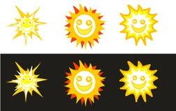 Smiley di Sun negli ambiti di provenienza bianchi e neri Immagine Stock