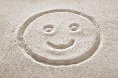 Smiley Face en la arena Fotografía de archivo libre de regalías