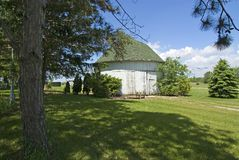 Smiley round barn. In fulton county, indiana stock photography