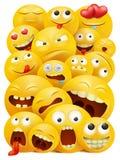 Smiley twarzy grupa wektorowi emoticon charaktery z śmiesznymi wyrazami twarzy ilustracja wektor