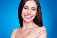 Smileybrunett Royaltyfria Bilder