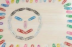 Smileys av häftklamrar olika sinnesrörelser Arkivbild