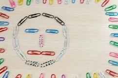 Smileys av häftklamrar olika sinnesrörelser Arkivfoton