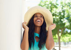 Smiling african american model with sun hat Royalty Free Stock Photography