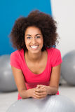 Smiling African American woman in a gym Royalty Free Stock Images