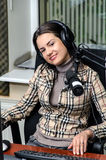 Smiling anchorwoman Royalty Free Stock Photos