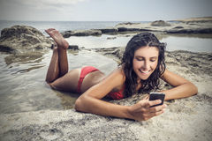 Smiling at the beach Royalty Free Stock Photography
