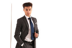 Smiling business man with hand in pocket Royalty Free Stock Photos