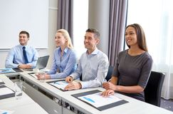 Smiling business people meeting in office Royalty Free Stock Photos