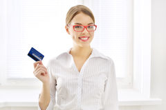 Smiling business woman with credit card Stock Images