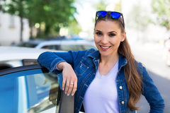 Smiling car owner Royalty Free Stock Images