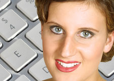 Smiling computer woman Royalty Free Stock Photography
