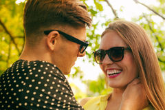 Smiling couple in park Royalty Free Stock Photography