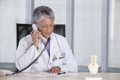 Smiling female doctor Royalty Free Stock Images