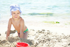 Smiling girl on beach Royalty Free Stock Photos