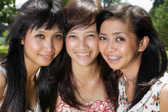 Smiling Happy three girl friends group Royalty Free Stock Photos