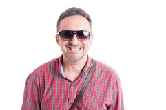 Smiling man wearing shades Royalty Free Stock Photography