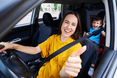 Free Smiling Mum Driving A Car Stock Photography - 95111082