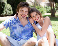 Smiling romantic young couple Royalty Free Stock Photography