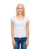 Smiling woman in blank white t-shirt Royalty Free Stock Photography