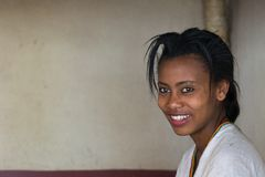 Smiling young lady of ethiopian ethnicity Royalty Free Stock Photos