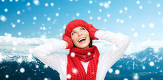 Smiling young woman in winter clothes Royalty Free Stock Images