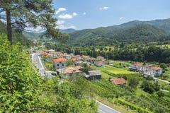 Smilyan村庄是其中一中间Rhodopes的最旧的解决 位于它在地方分东南部的15 km 免版税库存图片