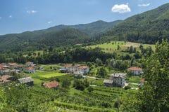 Smilyan村庄是其中一中间Rhodopes的最旧的解决 位于它在地方分东南部的15 km 免版税图库摄影