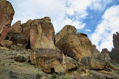 Smith Rock Park. Sharp rocks with mountain climbers in Smith Rock Park, Oregon Royalty Free Stock Photos