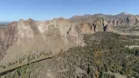 Smith Rock State Park Aerial stock videobeelden