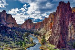 Smith Rock State Park in Centraal Oregon royalty-vrije stock fotografie