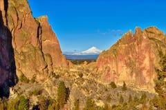 Smith Rock State Park i centrala Oregon royaltyfria foton