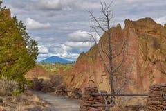Smith Rock State Park i centrala Oregon royaltyfri foto