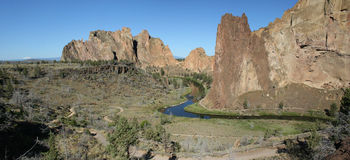 Smith Rock State Park - Terrebonne, Oregon Royaltyfri Foto