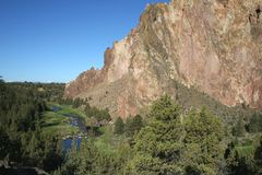 Smith Rock State Park - Terrebonne, Oregon. Smith Rock is a 550 foot towering mass of rock just east of Terrebonne, Oregon.  The formation originated from an Stock Images