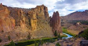 Smith Rocks State Park, een populair bergbeklimmingsgebied in centraal Oregon dichtbij Terrebonne royalty-vrije stock fotografie