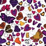 Sömlös klottermodell med hjärtor, förälskelse och kyssar tecknad hand Royaltyfri Bild