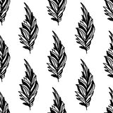 Sömlös monokrom modell av feathers-05 Royaltyfri Bild