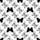 Sömlös monokrom modell av grafiska tappningfjärilar Royaltyfri Bild