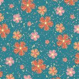 Sömlösa blommor på grungetextur Arkivbild