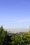 Smog över staden Royaltyfria Foton