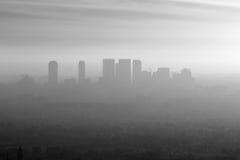 Smog ad ovest della LA in bianco e nero immagine stock libera da diritti
