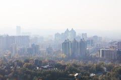 Smog in Alma Ata stock afbeelding