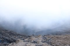 Smog auf dem Krater stockfotografie